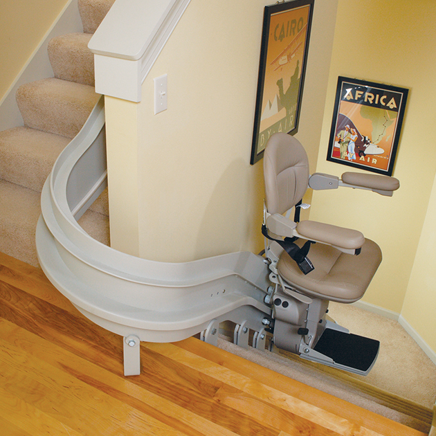 CRE-2110 Curved Rail Stair Lift